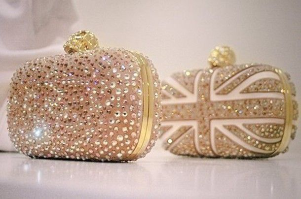 124462aff1a6 Вечерний клатч Latest-White-and-Gold-Clutch-Bag-for-Brides.